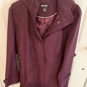 New rain coat burgundy color.